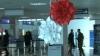Пассажирам кишинёвского аэропорта вручали мэрцишоры