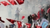 В Стамбуле Первомай обернулся столкновениями демонстрантов и полиции