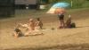 На пляж в Вадул-луй-Водэ люди стали приходить с раннего утра