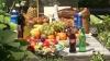 Цыгане накрыли столы дорогими яствами, выпивкой и богатыми поминальными дарами