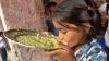 Протестующие в Индии требуют ареста поставщика отравленной еды