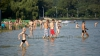Несмотря на жару, многие горожане отправились на пляжи (ФОТОГАЛЕРЕЯ)