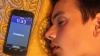 Растет число людей, которые пользуются телефоном во сне