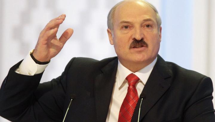 Лукашенко обвиняет Россию и критикует Таможенный союз