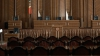 Советники и консультанты восьми постоянных парламентских комиссий до сих пор в отпуске