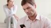 Мужчины в два раза чаще женщин залезают в чужой телефон почитать переписку