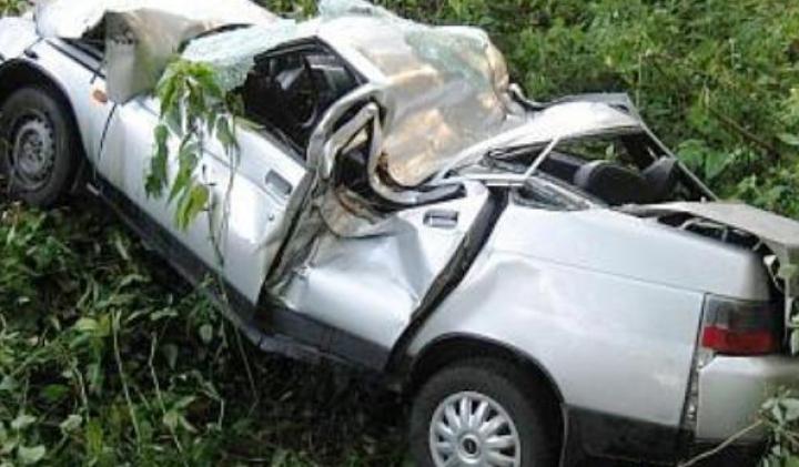 Автомобиль с таможенниками перевернулся в Яловенском районе