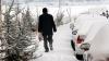 В горных районах Румынии выпал снег, на дорогах застряли десятки машин