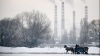 В Румынии на побережье штормит, в горах валит снег