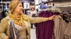 В преддверии новогодних праздников многие женщины заняты поисками наряда