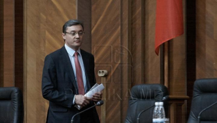 Корман: Вандализм, которому подверглось здание Дворца Республики, может быть связан с решением КС о госязыке