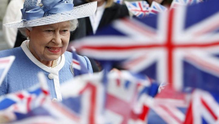 Британский двор раскритиковали за неумение управлять собственными финансами