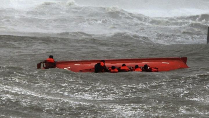 На востоке Индии затонул паром, пять человек погибли