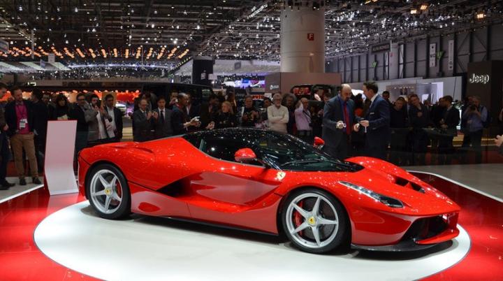 Ferrari превратила свой новый суперкар в гоночный болид
