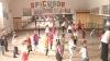 Дети в Каушанском районе проводят уроки танцев в зале, где ремонт не делали десятки лет