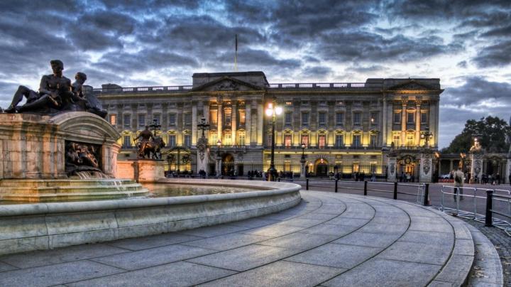 Британская королева живет на самой загрязненной улице Лондона