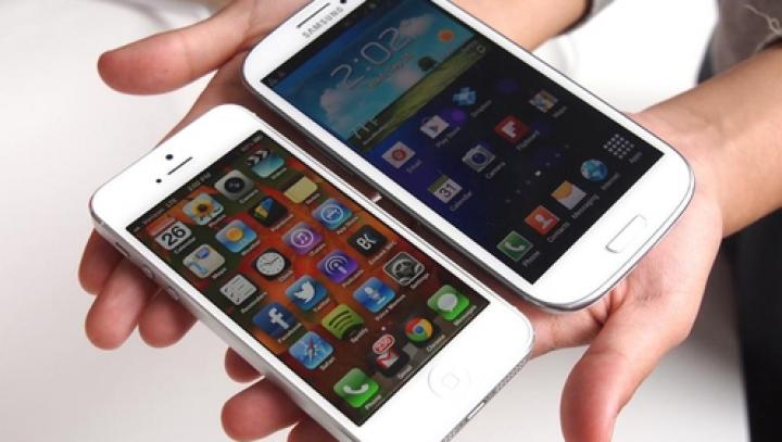 Опрос: Мужчины выбирают Samsung GALAXY, женщины - iPhone