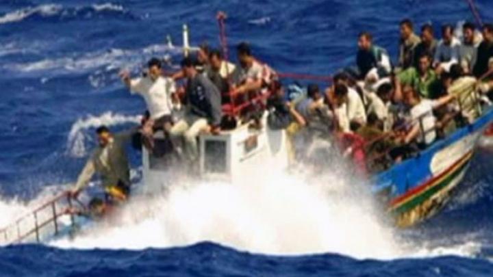 Лодка с мигрантами перевернулась у берегов американского штата Флорида