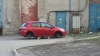 Припаркованная на Чеканах Toyota Corolla лишилась колес (ФОТО)