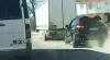 Карма в действии: лихач-хулиган на Porsche Cayenne Turbo врезался в грузовик (ВИДЕО)