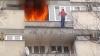 На столичной улице Измаильской загорелся балкон квартиры