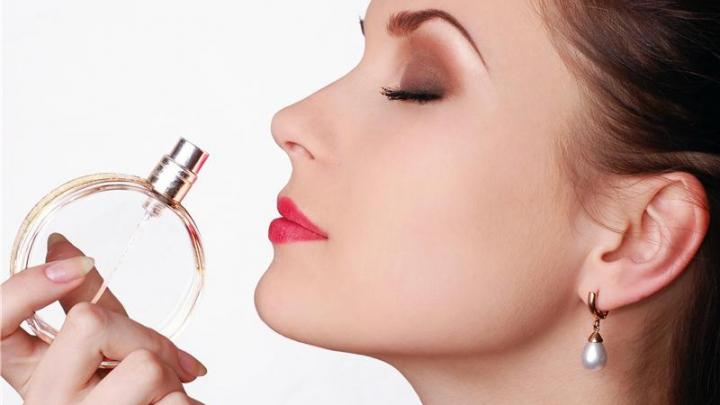 Столичные рынки - кладезь контрафактной парфюмерии и косметики