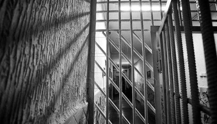 Буюканский суд продлил на 20 суток арест налоговику по делу о крупнейшей взятке
