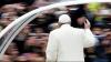 Папа Франциск в Великий четверг омыл и поцеловал ноги 12 инвалидам