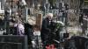 На столичных кладбищах началась подготовка к Радонице