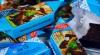 Украина запретила продажу российских конфет, рыбы и сыра