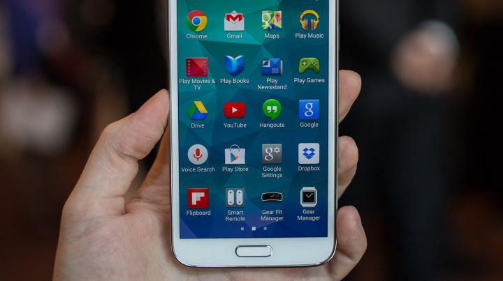 У казахстанской школьницы в кармане взорвался смартфон