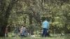 Горожане целыми семьями отправились в парки на традиционные маевки