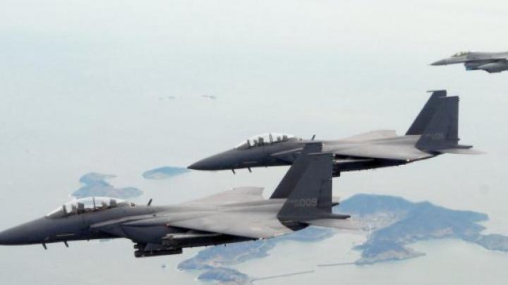 В Бенгази военные самолеты нанесли авиаудар по базе исламистов