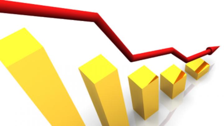 Ставки по депозитам и кредитам продолжают падать