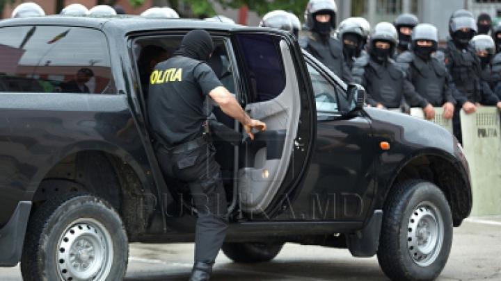 Полиция пресекла деятельность группировки, занимавшейся контрабандой товаров широкого потребления