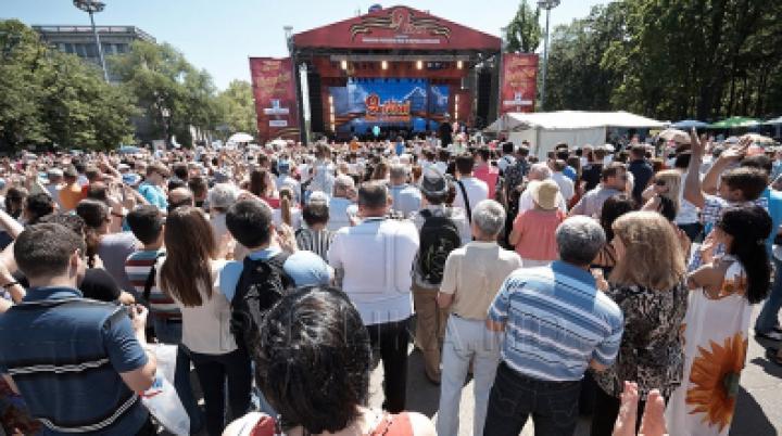 На День Победы запланированы митинги, богослужения и походы в музеи