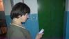 Сотни жителей Унген вызывают лифт, используя телефон