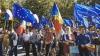 Сотни сторонников евроинтеграции собрались перед зданием парламента (ФОТО/ВИДЕО)