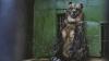 (ФОТОГАЛЕРЕЯ) В столичном зоопарке медведи принимают освежающий душ