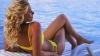 Исследования показали, что юным девушкам опасно находиться на солнце