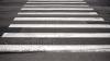 На многих улицах и перекрестках Кишинева нет дорожной разметки