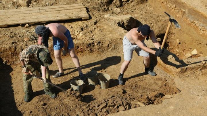 В Греции археологи нашли крупное захоронение времен Александра Македонского