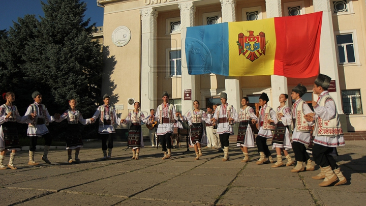 """В рамках кампании """"Молдова - это я"""" триколор был поднят в 23 населённых пунктах страны"""