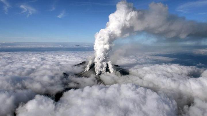 Число пострадавших от извержения вулкана Онтакэ возросло до 70 человек