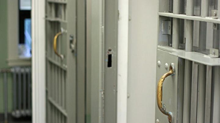 Не хочешь в школу, отправляйся в тюрьму