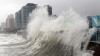 Япония противостоит тайфуну, в Индии эвакуируют людей