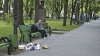 Работники Autosalubritate говорят, что в этом году мусора на площади больше, чем в предыдущие