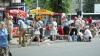 В столичном секторе Буюканы торгуют на улице прямо возле рынка