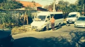 Автомобиль врезался в столичную маршрутку № 186 (ФОТОГАЛЕРЕЯ)
