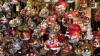 В одном из торговых центров столицы уже начали продавать новогоднюю атрибутику